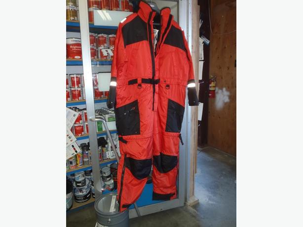 HELLY HANSEN DELTA CRUISER SUITS, PFD