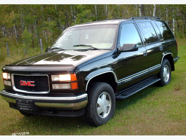 1996 GMC YUKON SLT 4X4, SAFETIED, $ 4500