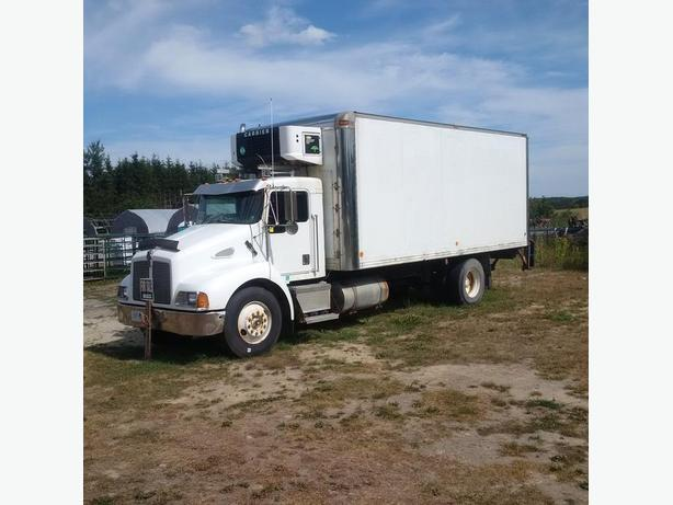 2001 Kenworth truck