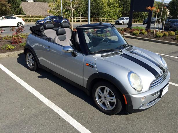 2006 mini cooper convertible low kms automatic saanich. Black Bedroom Furniture Sets. Home Design Ideas