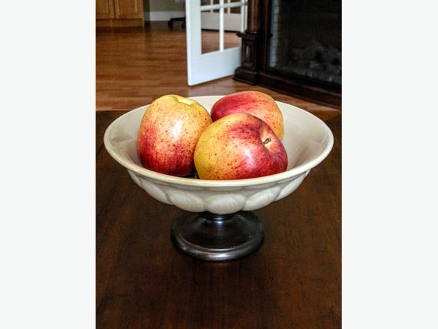 Footed Ceramic Bowl with Realistic-looking Apples