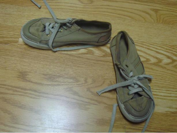 Pair of Beige Runners Size 3 Youth - $2