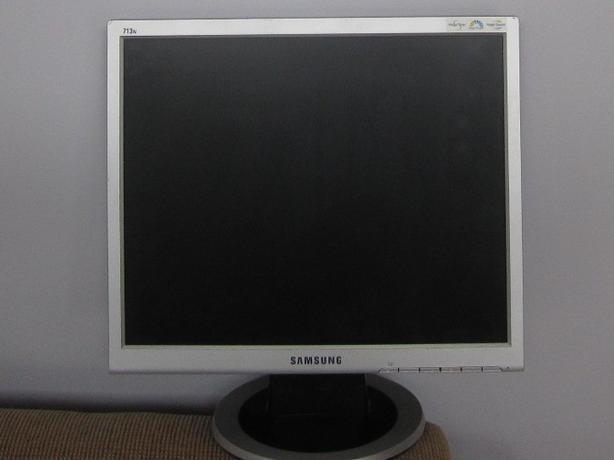 "Samsung 17"" Monitor"