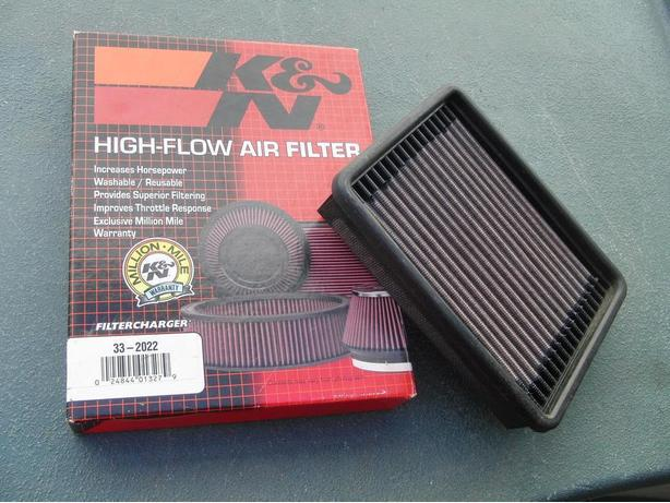 K & N Air Filter (33-2022) with Recharge Kit (89-94 GM)