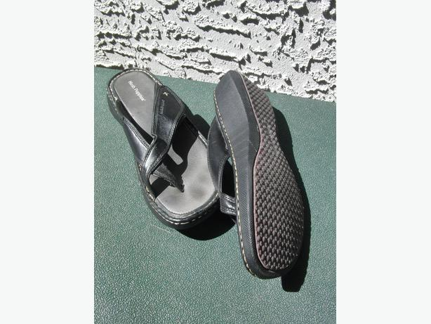 Ladies' Hush Puppy Leather Sandals (Size 8 1/2 M)