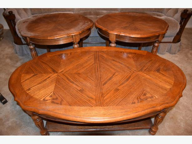 Mint condition solid oak matching coffee table two end table west regina regina Matching coffee table and end tables