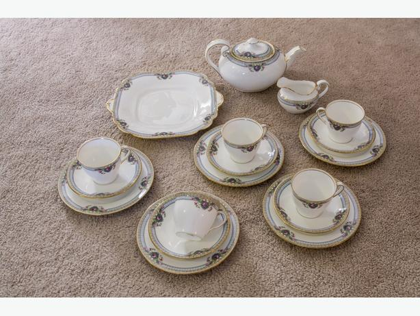 RARE BEAUTIFUL 1930s ART DECO STYLE AYNSLEY 19-PIECE CHINA TEA SET