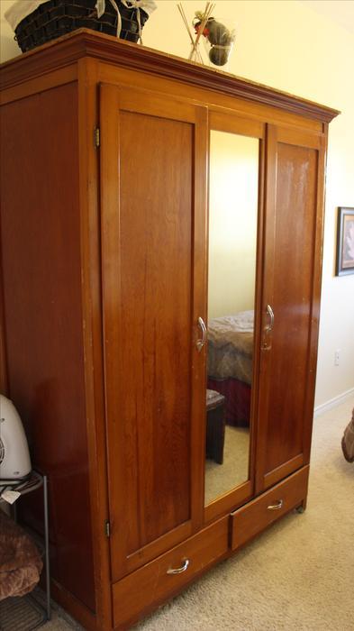 Door armoire with mirror victoria city