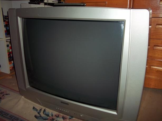 """32"""" Electrohome TV"""
