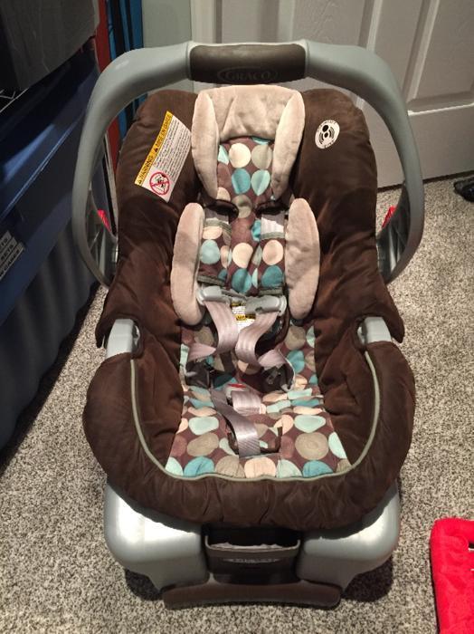 graco infant car seat and stroller north regina regina mobile. Black Bedroom Furniture Sets. Home Design Ideas