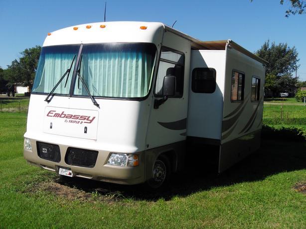 2006 Triple E Embassy 34 Foot Class A Motorhome