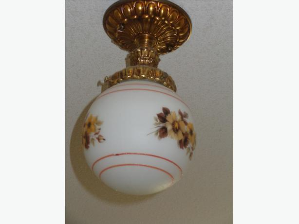 Antique style ceiling fixture