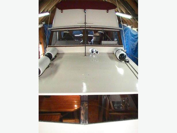 1966 / 33FT Trojan Wood Cruiser