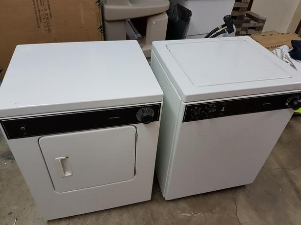 Kenmore apartment size washer dryer Saanich, Victoria