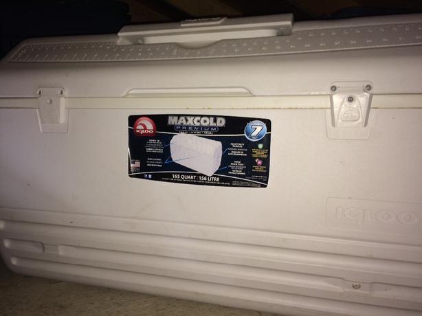 Igloo Maxcold cooler 165 quart