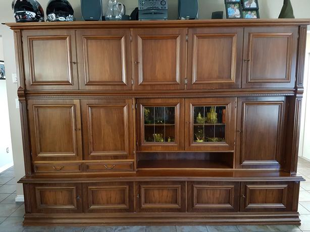 Cabinet - In excellent condition