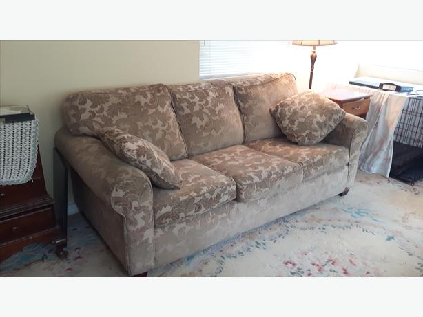 Reduced Hideabed Couch Sofa For Sale Shawnigan Lake