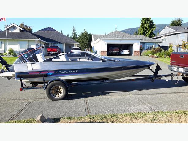 SEASONAL REDUCTION! 1987 Bayliner Cobra 17' Boat