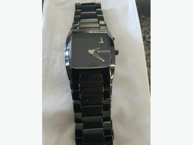 Nixon Banks Watch Black