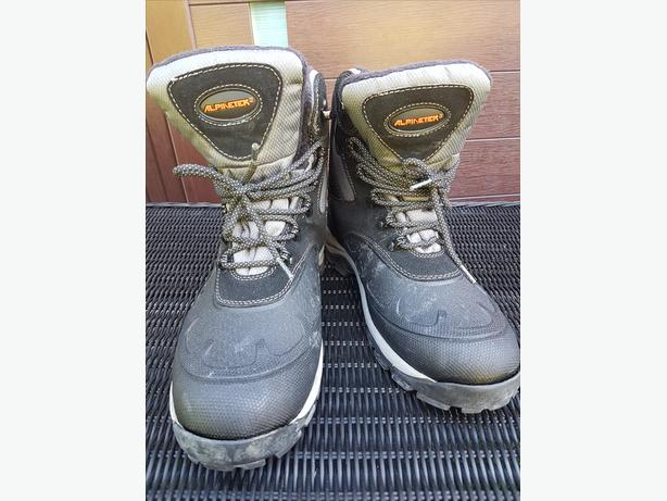 Alpinetek Boots Men's Size 10