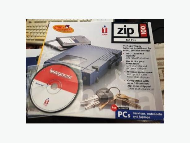 100 MB Iomega Zip Drive with Parallel Cable and 9 Disks