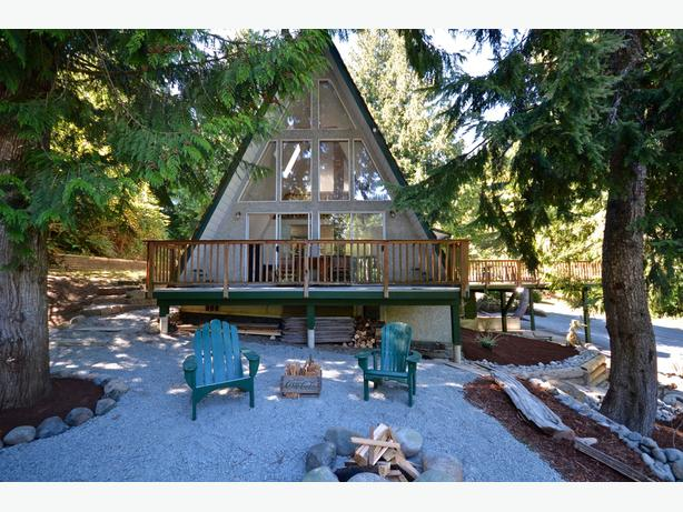 North Nanaimo A-Frame With Building Potential And Lake Access 21 Summit Drive
