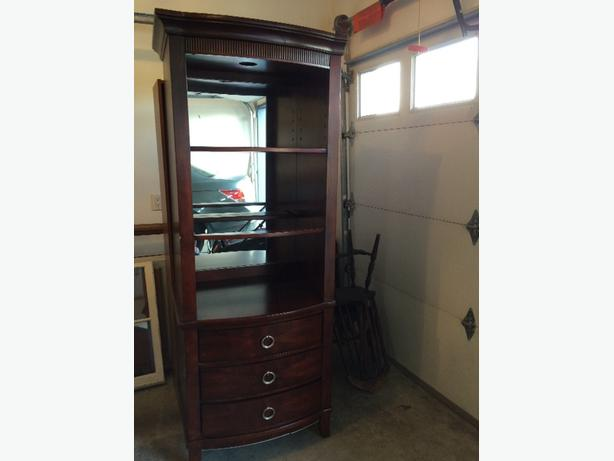 shelving drawer unit central nanaimo nanaimo. Black Bedroom Furniture Sets. Home Design Ideas