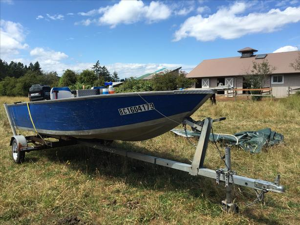 16 ft aluminum fishing boat esquimalt view royal victoria for 16 ft fishing boat