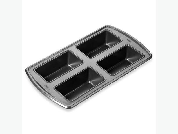 Wilton Advance 4-Cavity Mini Loaf Pan