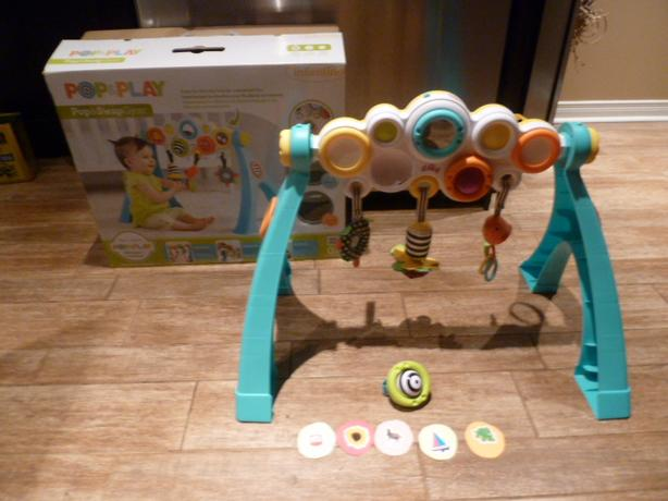 Infantino Pop & Play Pop & Swap Gym