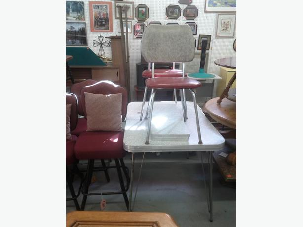 Vintage Table and 2 Chairs