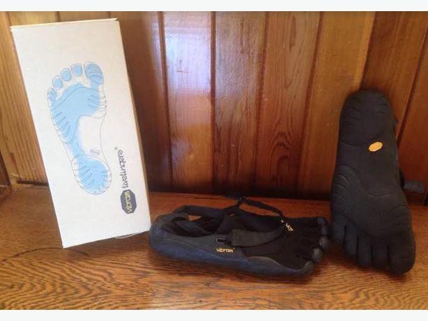 Vibram FiveFingers KSO  Shoes Mens Size 45 EUR 11 1/2 US
