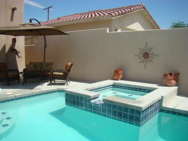 PALM SPRINGS, CALIFORNIA 3BR 2BA HOUSE PRIVATE POOL/SPA