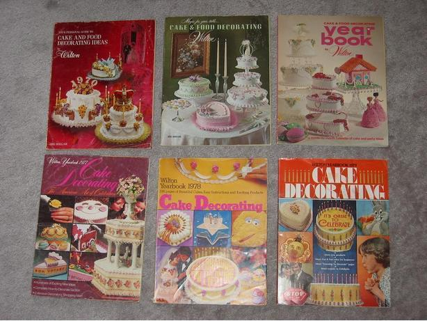 * Wilton Cake Decorating Year Books Saanich, Victoria