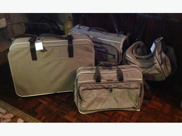 SET OF 4 SAMSONITE SOFTSIDE LUGGAGE