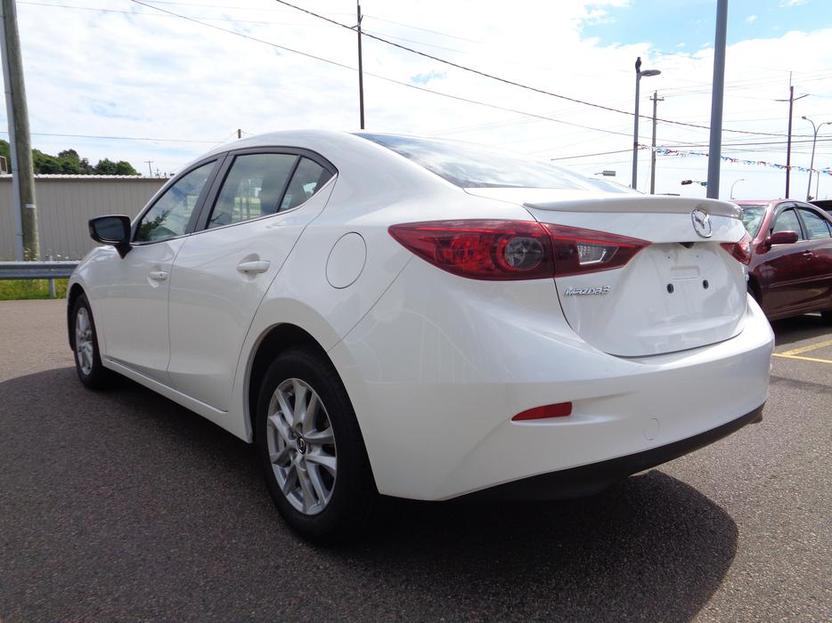 2014 mazda 3 gs sedan automatic in pearl white. Black Bedroom Furniture Sets. Home Design Ideas