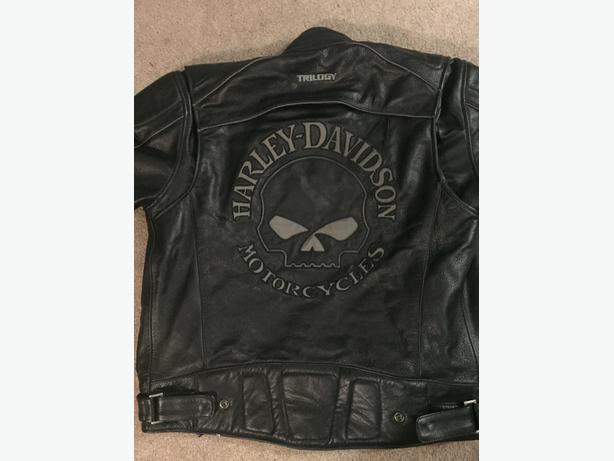 BRAND NEW!!  never worn Harley jacket