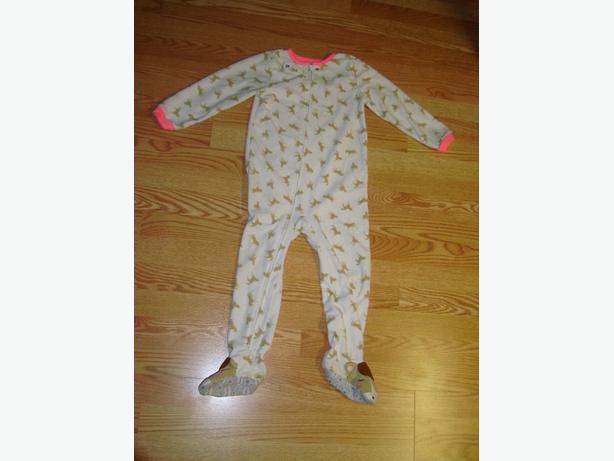 2 Like New Fleece Sleepers Toddler Size 5 - $5 each