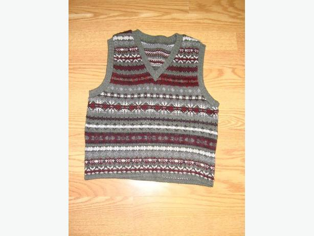 Brand New Vest Knitted Grey Burgandy Youth Size S-M - $3
