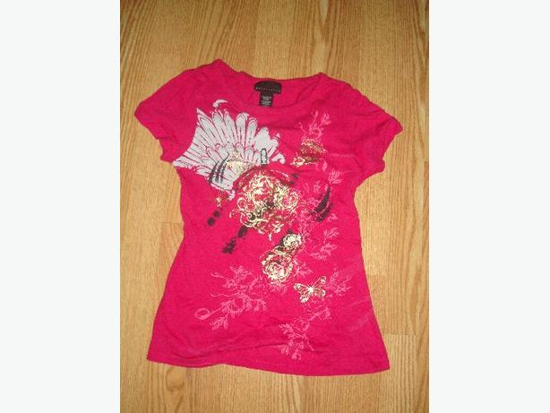 Like New Red T-Shirt Youth Size S-M - $2