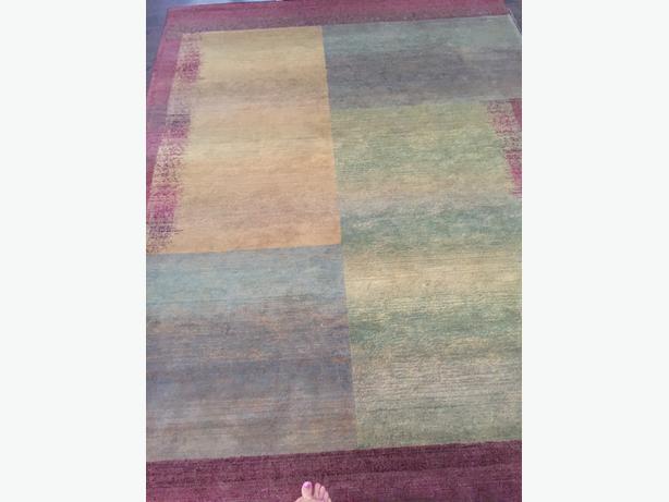 """area rug (7'10"""" x 11'2"""")"""