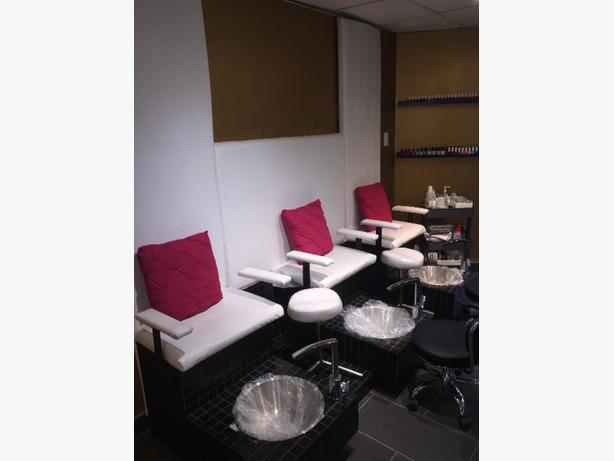 Pedicure Banquet/station $500 and 3 manicure tables $150 Like new!
