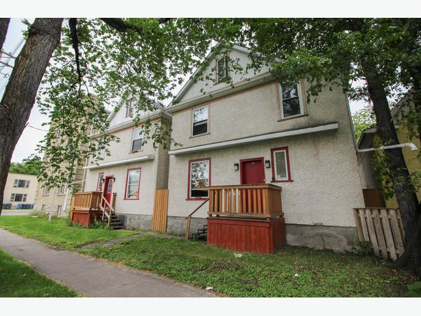 Nicely Remodeled 2 Bedroom Condo!