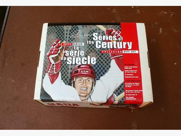 1972 Canada-USSR Hockey Series Commemorative Gift Set