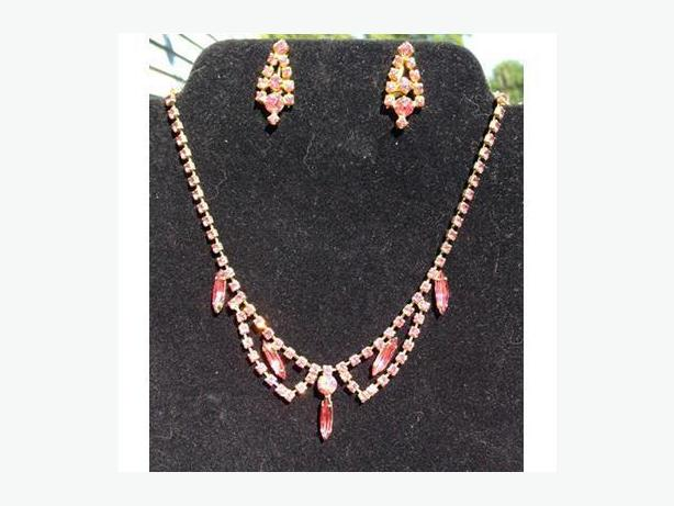 Vintage Continental Jewellery Company pink rhinestone necklace and earrings