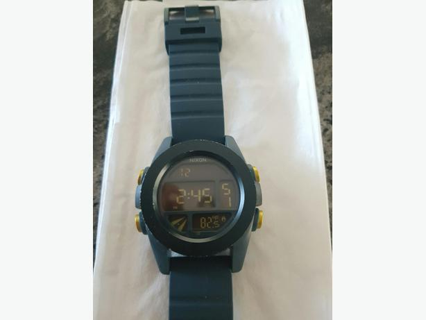 Nixon The Unit Dual time zone