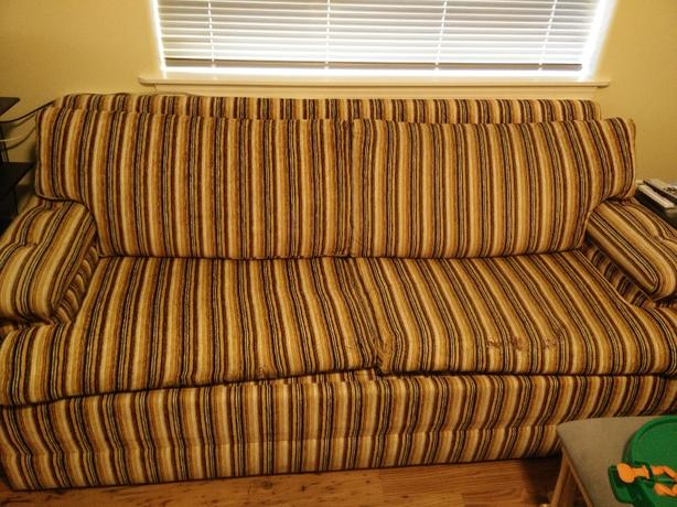 FREE:  Vintage Sofa Bed