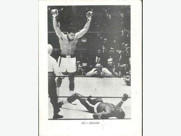 HUGE FANTASTIC Muhammad Ali Photo Colleciton. 30 1970's