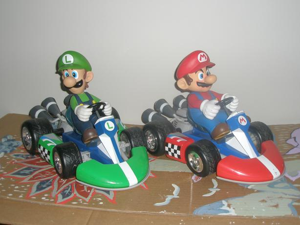 1 PAIR MARIO & YOSHI 1/8 SCALE REMOTE CONTROLE CARS LIKE NEW
