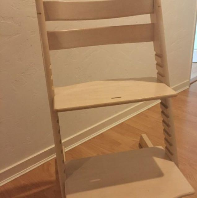 Stokke tripp trapp chair oak bay victoria for Stokke tripp trapp oak